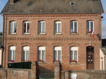 mairie-monceaux-labbaye
